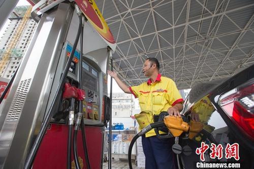 国际原油价格暴涨 拉动国内原油变化率继续在正值区间上涨