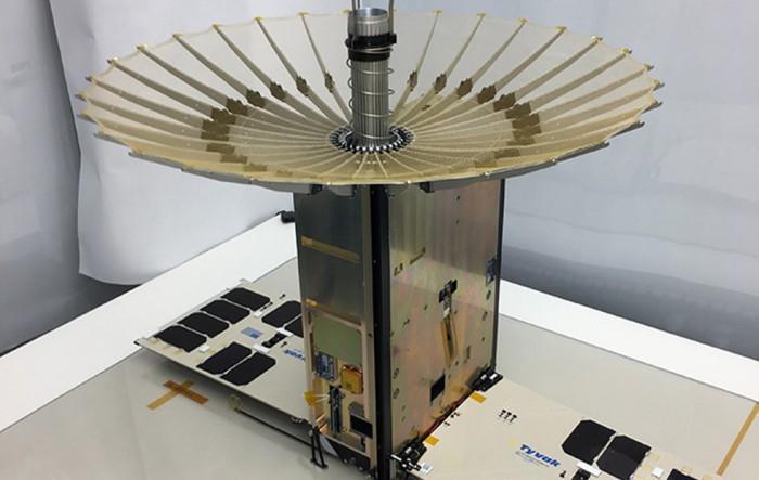 NASA测试用多个微型气象卫星RainCube追踪风暴