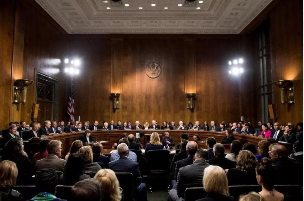 美国候任大法官声泪俱下,性丑闻还是政治阴谋?