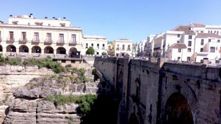 西班牙小镇居民集体减肥 目标两年内减10万公斤