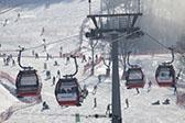中国滑雪场馆年增35家 装备市场将突破750亿