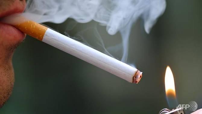 法国研究:儿童常吸二手烟 成年易患关节炎