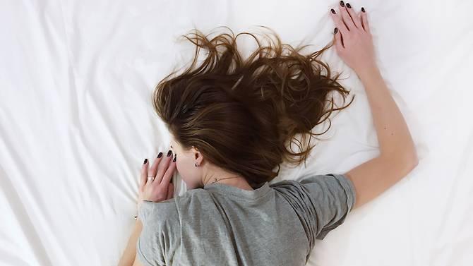研究:睡眠规律对成年人同样重要