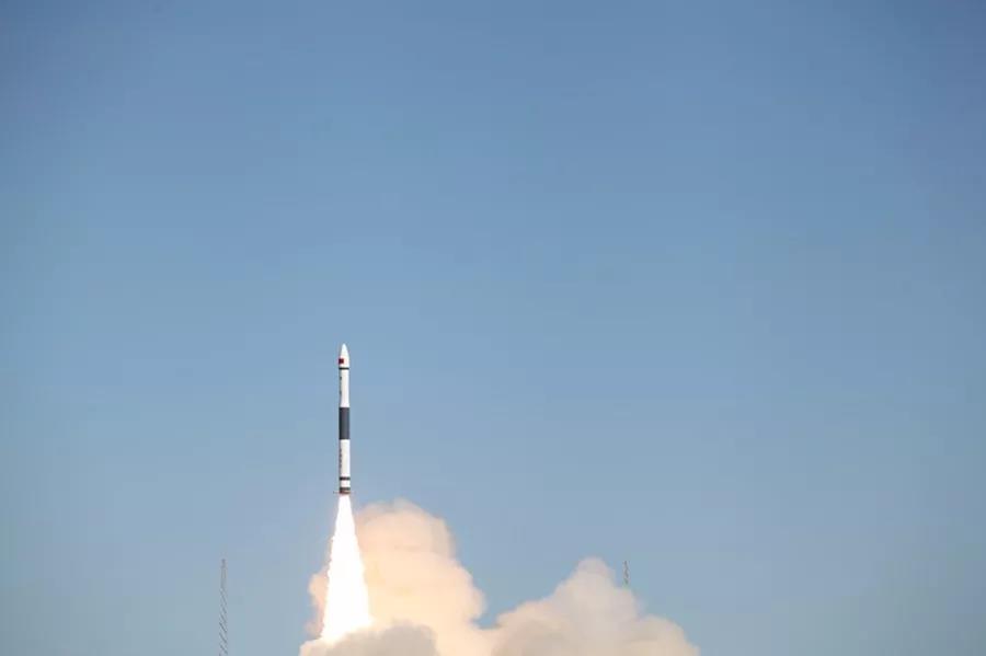 我国成功发射微厘空间一号试验卫星