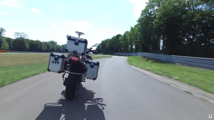 宝马实现摩托自动驾驶 用于风险性技术开发