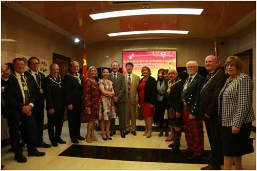 爱丁堡总领馆热烈庆祝中华人民共和国成立69周年国庆招待会