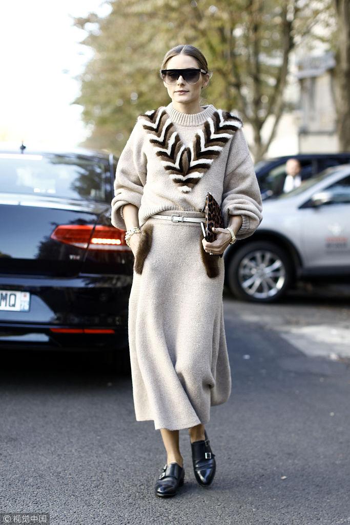 奥利维亚长裙演绎秋日优雅穿搭 保暖时髦