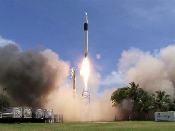 SpaceX历史性一步:猎鹰1号火箭成功发射10周年