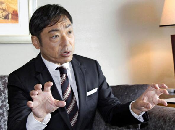 日本演员香川照之创业当老板,改行昆虫图案主题童装