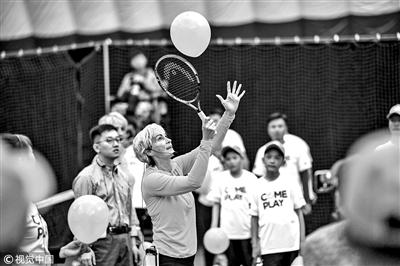 穆雷妈妈来京教网球
