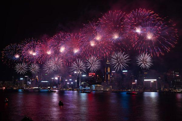 庆祝国庆69周年 香港举行国庆烟花汇演
