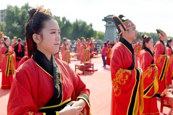 西安:体验汉式婚礼 感受传统文化