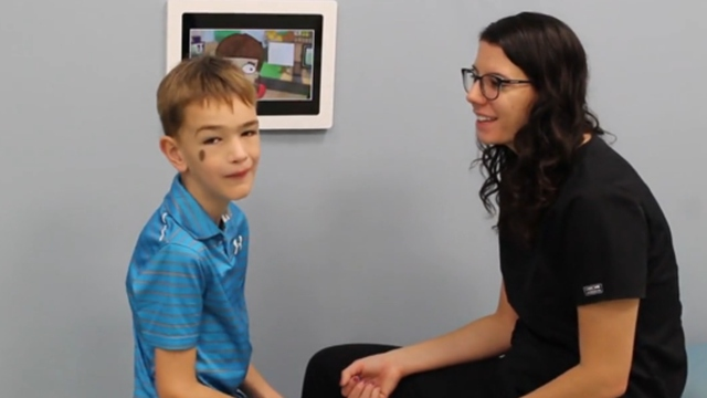 美语言障碍症6岁男孩术后正常说话全家惊喜