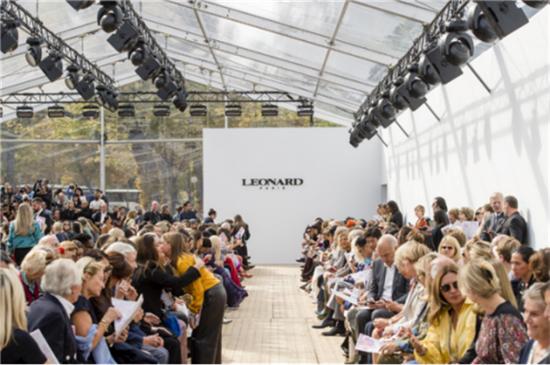 唯爱工坊亮相巴黎时装周,与Leonard Paris2019春夏发布联合唤醒千年之美