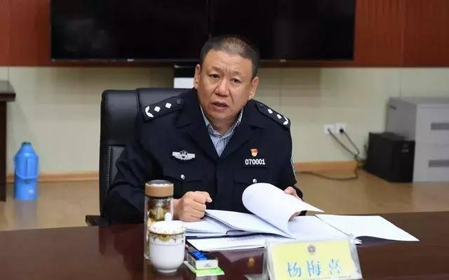 杨梅喜同志在五台山调研指导国庆假期安保工作