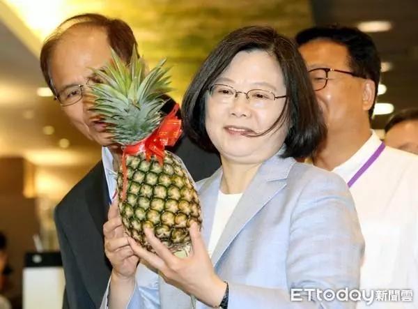 """从""""肚子扁扁""""到""""穷到发慌"""" 民进党执政下的台湾"""