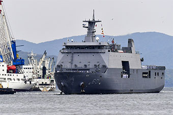 菲律宾新锐万吨登陆舰首次访问俄罗斯港口