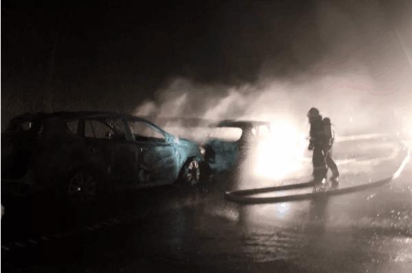 京昆高速朝天段一隧道内六车连环追尾 致三人轻伤