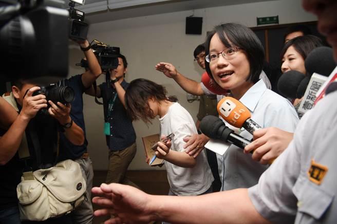 吴音宁欧洲行临时喊卡 因惹怒蔡英文恐上飞机就被撤职查办