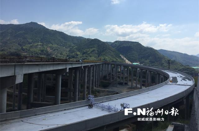 莆炎高速嵩口互通完成桩基施工