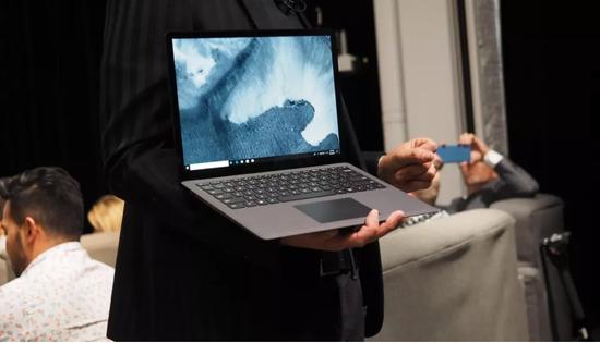 微软更新Surface硬件产品,发布