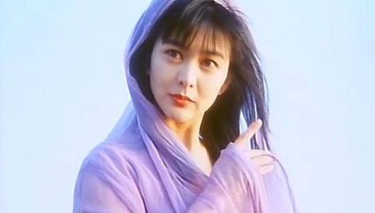 娱乐圈杨幂的30岁,刘亦菲的30岁,都不如她的30岁