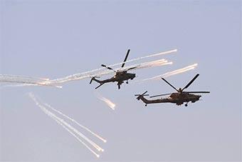 阿尔及利亚军演展示其米35武装直升机