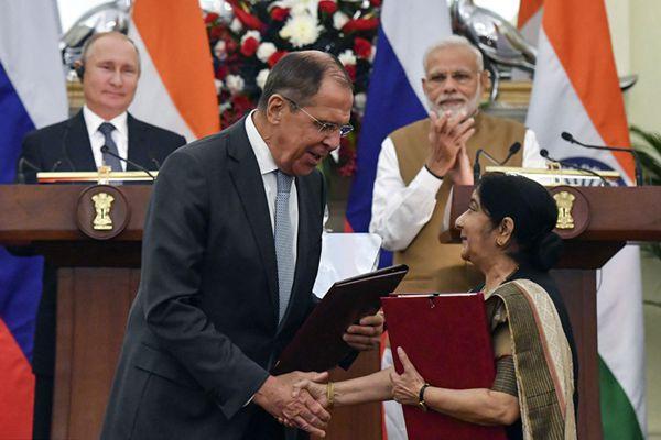 印俄举行领导人峰会 签署70亿美元军购大单