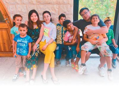 中国志愿者把爱心奉献给世界