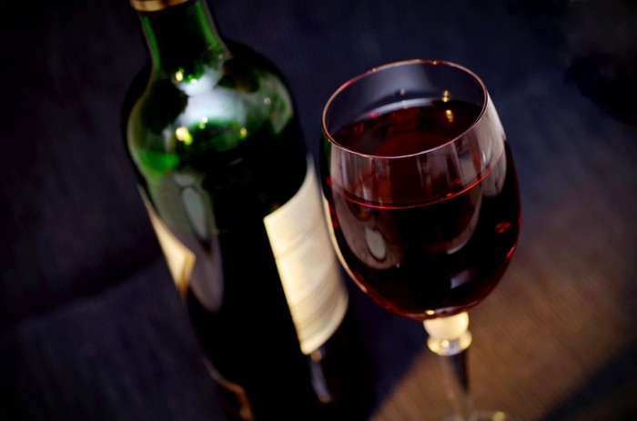 研究显示每周饮酒最好不超过三次 否则不利于健康