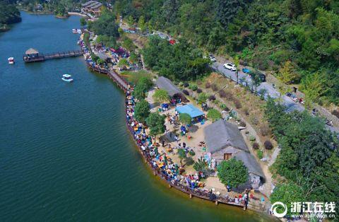 湖州:青山绿水引客来