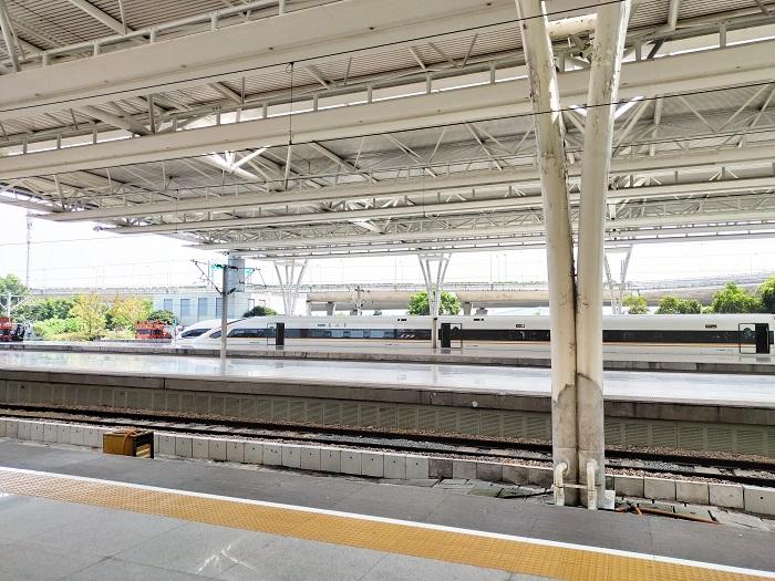 中国铁路:国庆假期铁路旅客发送量突破1亿人次