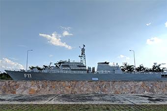 """缅甸建世界最大军事博物馆 海军""""船""""停陆地"""