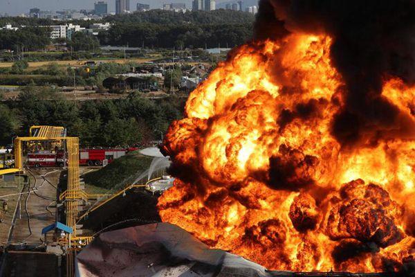 韩国油罐爆炸引发大火 俯拍火灾现场画面骇人