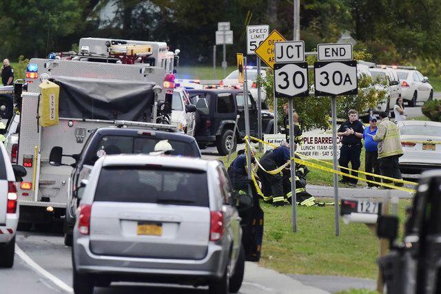 美发生10年来最重大车祸 加长豪华轿车撞向人群致20死