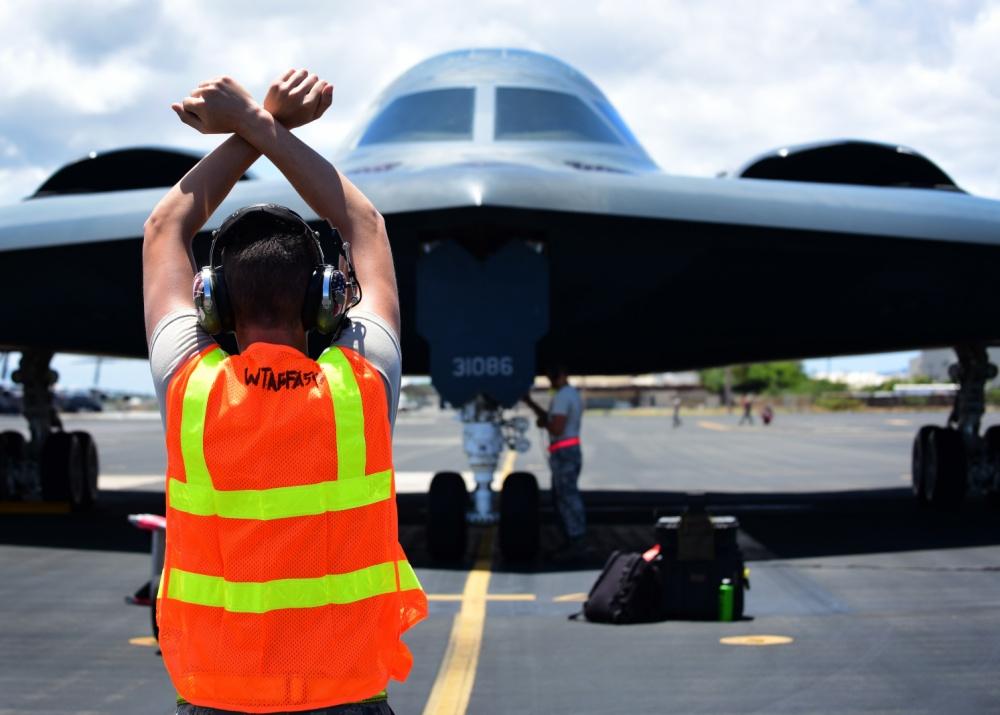 美军B2轰炸机首次部署夏威夷 以防关岛基地被炸