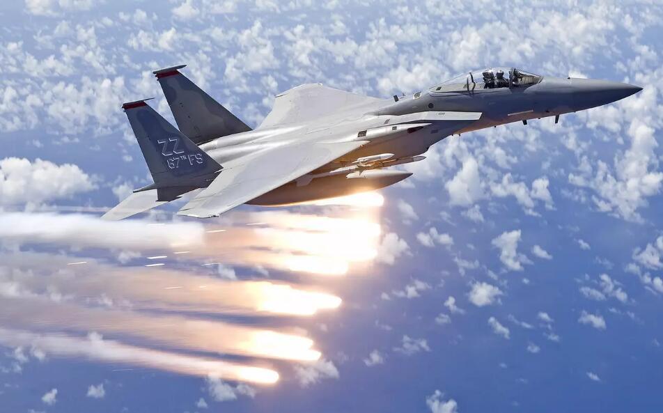美军战斗机抵达乌克兰参加军演 声称巩固和平