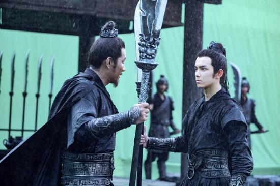 吴磊《影》上映获好口碑 铁血少将带来别样惊喜