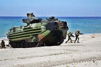 日本装甲车战后首次登上其他国家领土演习