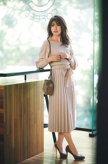 想穿出仙女的效果?秋季必备连衣裙!