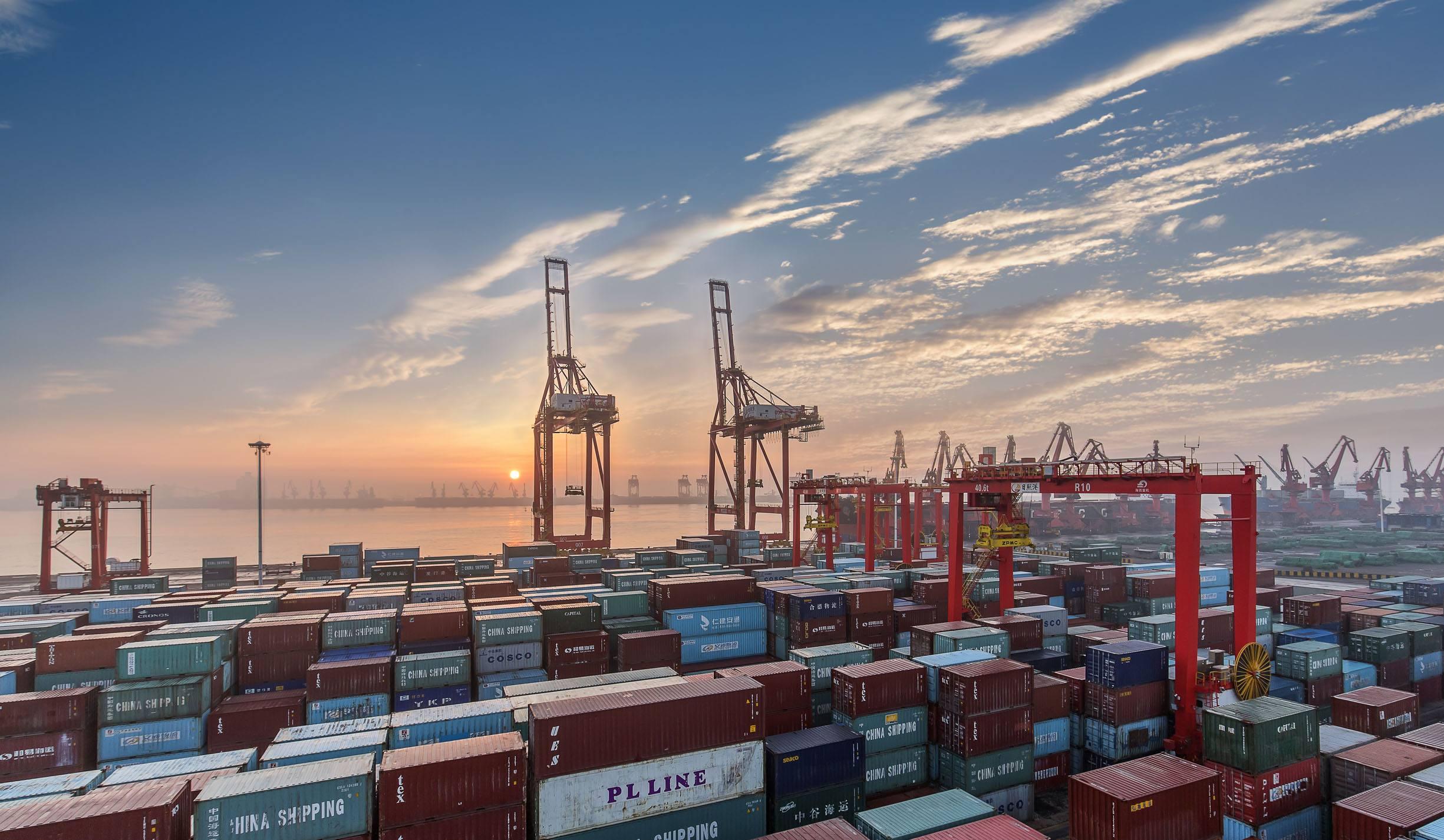 财政部:对符合条件的出口货物试行增值税免税政策
