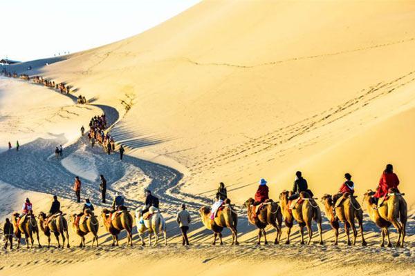 甘肃敦煌大漠秋景国庆长假引客逾30万人