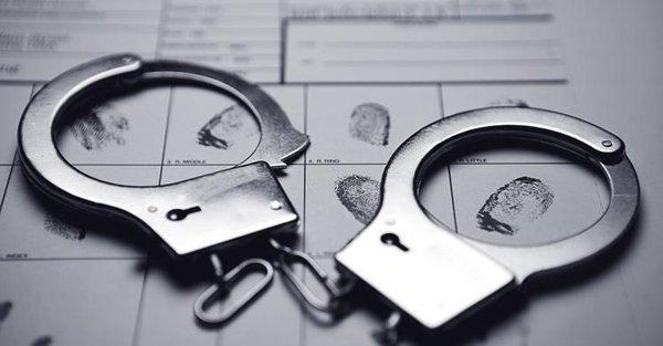 美国一对父子抢劫17次获赃款3万元 被罚171万