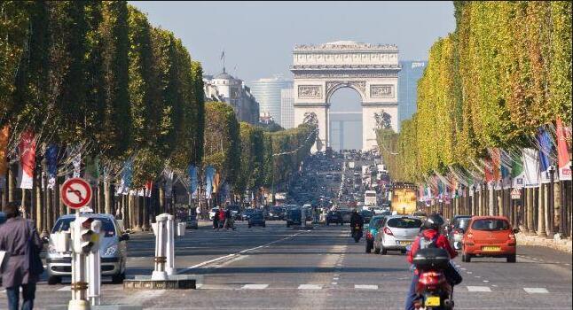 巴黎香街发生枪击案致两人重伤 可能为仇杀