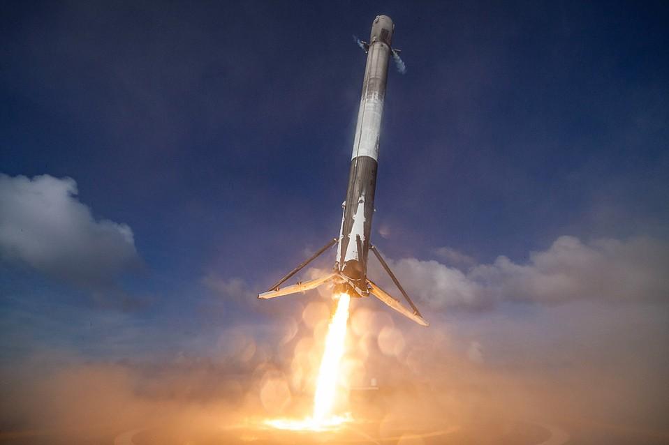 新突破!SpaceX首次美国西海岸陆上回收火箭