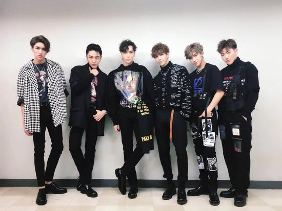 C.T.O男团征服国际舞台 釜山表演嗨翻全场