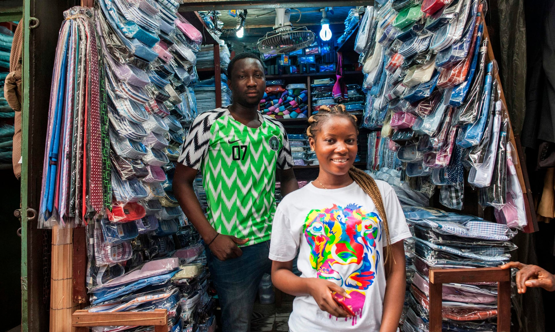 非洲人也许很穷,但他们为何如此快乐?