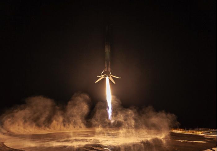 "SpaceX最新猎鹰9号发射任务""吓到""加州居民"