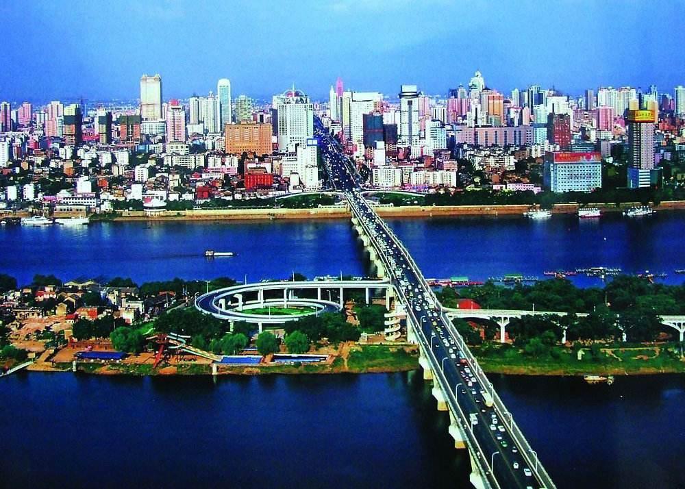 """前8月湖南全省引进80家""""三类500强""""投资项目116个"""