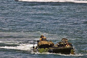 美国纠集22国大西洋联合演练海军陆战队